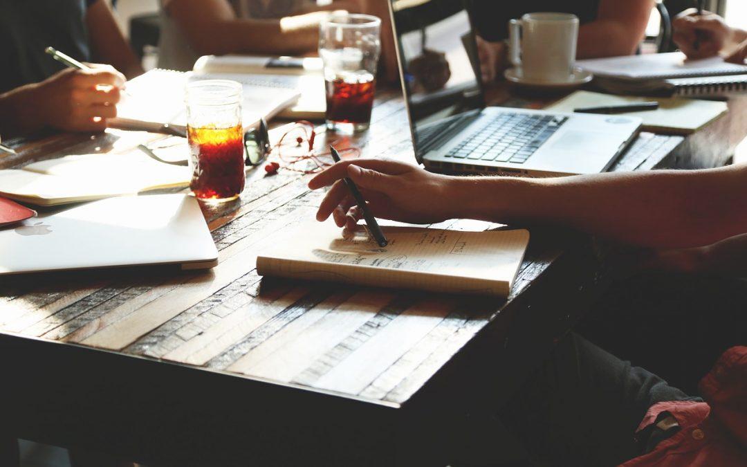 La prise de notes papier en réunion ou comment faire à plusieurs, un travail incomplet